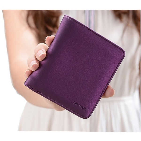 Compact Bifold Leather Pocket Wallet