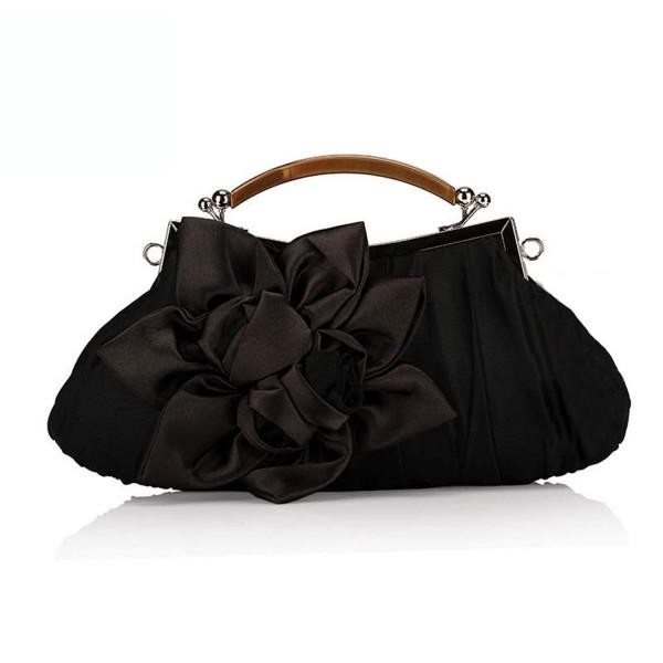 Extravagance Graceful Wrinkles Decoration Clutch Black